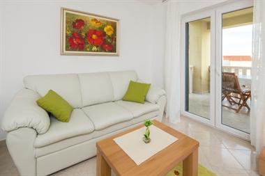 Apartman br.1 (2+2)