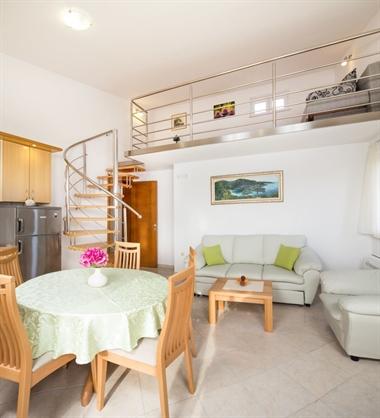 Apartment 4 (2+4 person)